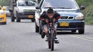 Ciclistas señalan que la práctica riesgosa del 'Gravity Bike' es frecuente en vías del Tolima