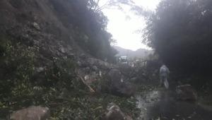 Deslizamiento de tierra y roca provocó cierre de la vía Ibagué - Calarcá