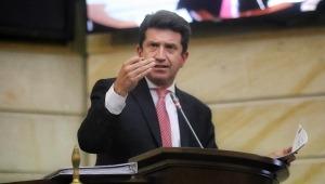Se hundió la moción de censura contra el Ministro de Defensa en el Senado