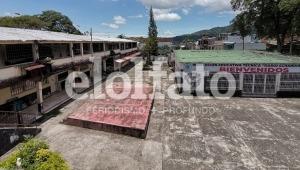 Colegio Darío Echandía de Ibagué: en riesgo inminente de quedarse sin estudiantes ni docentes