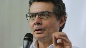 """El Presidente debió decir """"no más"""" luego del asesinato de Santiago Murillo: Alejandro Gaviria"""