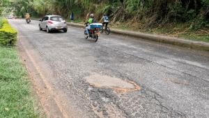Ciclistas crearon una campaña para tapar los huecos de las calles de Ibagué
