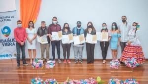 Alcaldía de Ibagué entregó incentivos económicos a maestros y representantes del gremio dancístico
