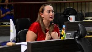 Linda Perdomo le dice al concejal Correa que no mienta y defiende al gerente del Imdri por uso del Estadio
