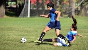 Abren convocatoria gratuita para niñas que deseen jugar fútbol en Ibagué