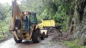 Autoridades atienden emergencia para restablecer paso hacia el Cañón del Combeima