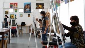 Continúan los talleres de dibujo y pintura para niños, jóvenes y adultos en el MAT