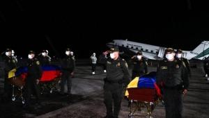 Llegaron a Ibagué los cuerpos de los policías asesinados en el Cauca
