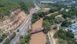Habrá cierre de un carril en la vía Girardot- Bogotá por construcción de muro de protección