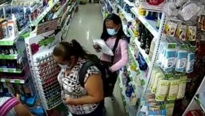 Expertas del 'cosquilleo': dos hermanas son capturadas por cometer hurtos en el Centro de Ibagué