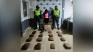 Mujer fue sorprendida transportando 15 kilos de marihuana hacia Ibagué