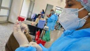 Mayores de 45 años podrán vacunarse contra el COVID-19 sin agendamiento