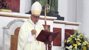 """""""No se trata de coger la clase de religión y botarla a la canasta de la basura"""": Monseñor Roa"""