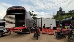 Bloqueo en la vía el Totumo -Rovira continuará hasta que la Gobernación envíe maquinaria