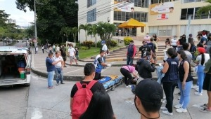 Motociclista intentó evadir bloqueo en Ambalá y lo habrían hecho caer