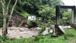 Autoridades atienden emergencias por deslizamientos y crecientes de ríos en Ibagué