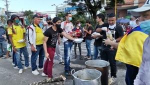 Manifestantes hicieron 'sancochada' en la calle 37 de Ibagué