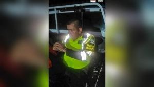 Envían a la cárcel a hombre señalado de hacerse pasar por policía para cometer delitos