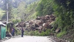 Cuatro personas resultaron heridas en un deslizamiento de rocas en Cajamarca