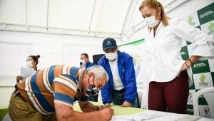 Firman convenio para la construcción de sistemas de aguas residuales en el Cañón del Combeima