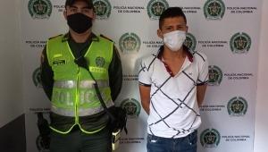 Capturado hombre por arrojar ácido en la cara a un policía en el centro de Ibagué