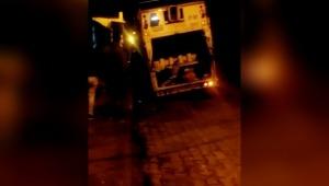 Por mal estado de la vía, camión recolector de basura se hundió en un hueco de Ibagué