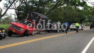 Tres vehículos involucrados en fuerte accidente de tránsito en la vía Ibagué – Alvarado