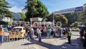 Volvieron las aglomeraciones al punto de vacunación de la U. de Ibagué